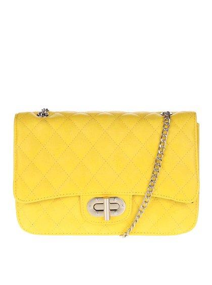 Žltá prešívaná crossbody kabelka s retiazkou v striebornej farbe Pieces Miss