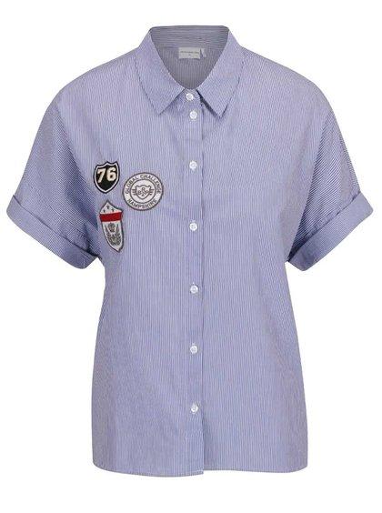 Modrá pruhovaná košile s nášivkami Jacqueline de Yong Isaak