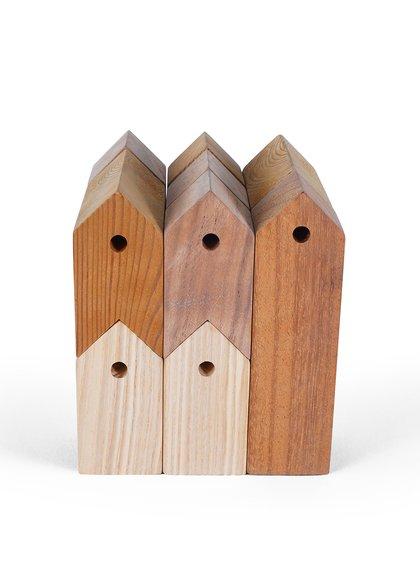 Sada dvanácti hnědých dřevěných domečků 11+1 UBIKUBI