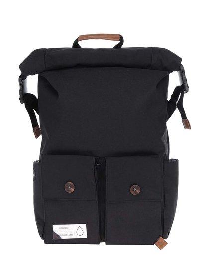 Černý unisex voděodolný batoh s kapsami a koženými detaily PKG
