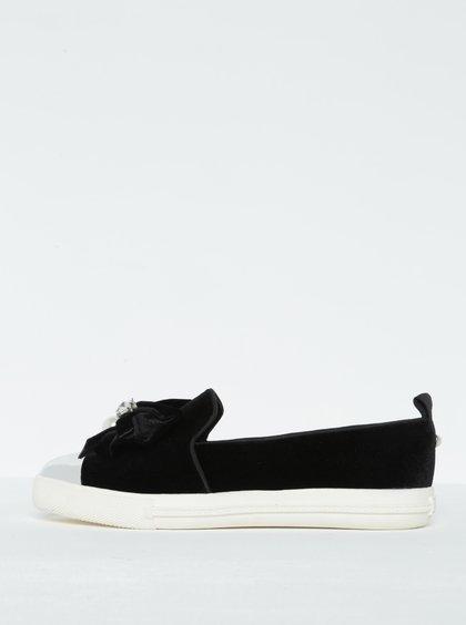 Černé sametové loafers s mašlí a špičkou ve stříbrné barvě Miss KG Lottie