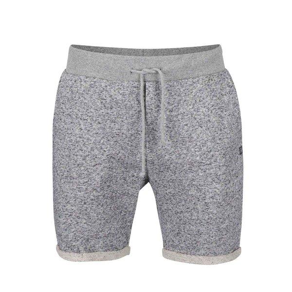 Pantaloni scurți gri de trening Jack & Jones Boost Grey de la Jack & Jones in categoria Blugi, pantaloni, pantaloni scurți