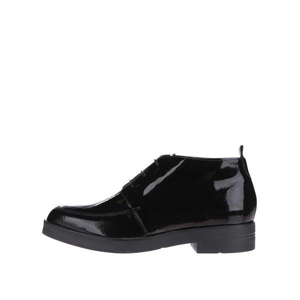 Pantofi negri lăcuiți Pieces Evi