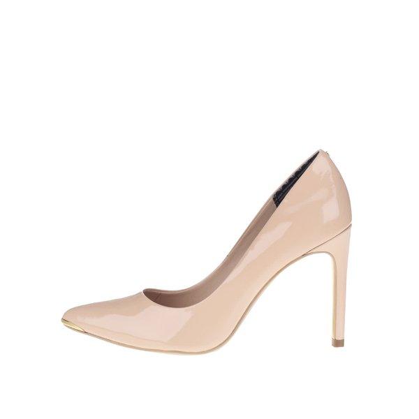 Pantofi bej din piele, cu aspect lăcuit Ted Baker Neevo de la Ted Baker in categoria pantofi cu toc