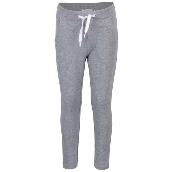 Pantaloni sport gri name it Pope cu model discret pentru fete de la name it in categoria Pantaloni, pantaloni scurți, colanți