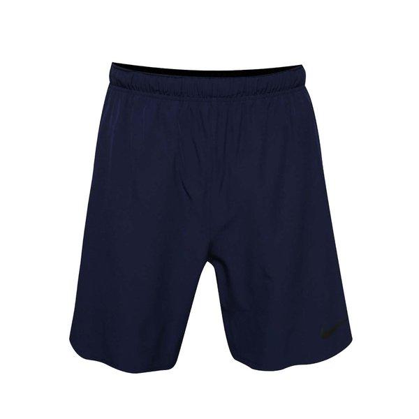 Pantaloni scurți bleumarin Nike cu buzunare de la Nike in categoria Blugi, pantaloni, pantaloni scurți