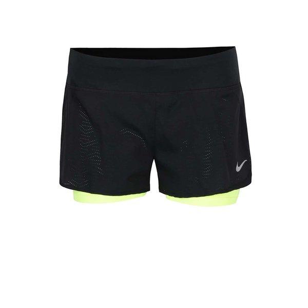 Pantaloni scurți Nike Flex cu model cu perforații