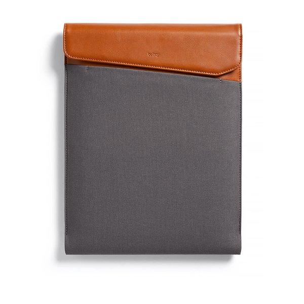 """Husă maro & gri Bellroy Laptop Sleeve Extra 15 cu detalii din piele"""""""