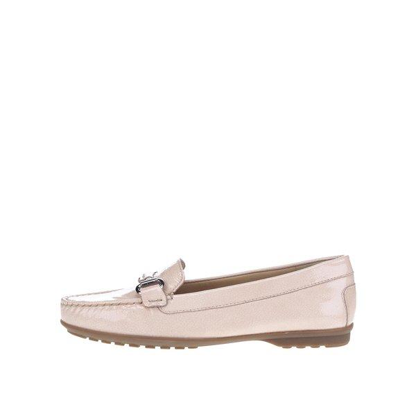 Mocasini roz Geox Elidia din piele cu model discret și aspect peliculizat de la Geox in categoria pantofi și mocasini