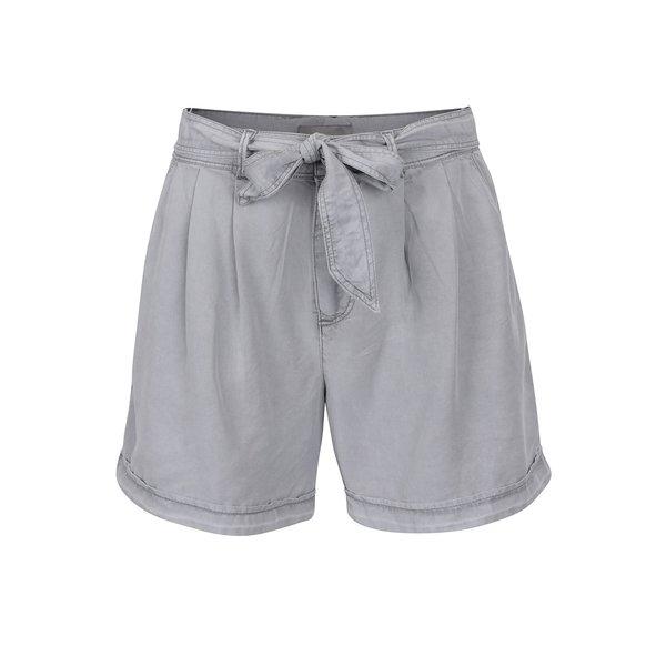 Pantaloni scurți gri deschis VERO MODA Be Lesley cu panglică în talie