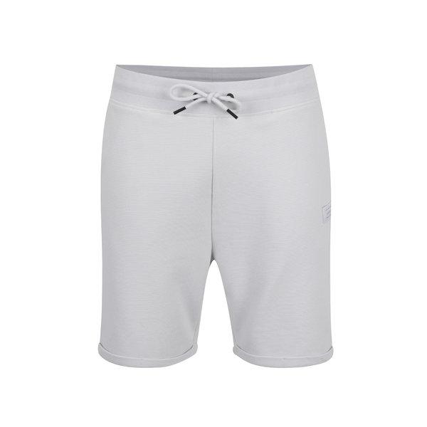 Pantaloni sport scurți albi Jack & Jones Otto cu striații de la Jack & Jones in categoria Blugi, pantaloni, pantaloni scurți