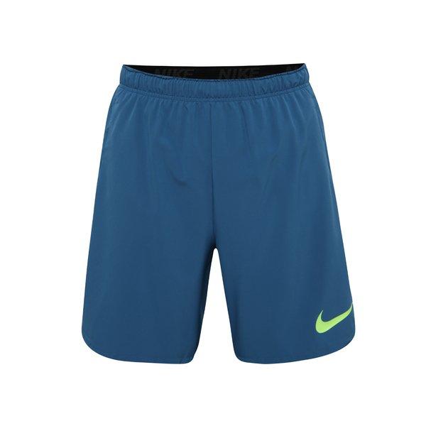 Pantaloni scurți albaștri Nike pentru bărbați de la Nike in categoria Blugi, pantaloni, pantaloni scurți