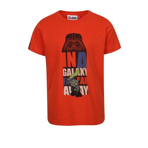 Tricou portocaliu cu print Star Wars pentru băieți Lego Wear Teo de la Lego Wear in categoria Tricouri, camasi