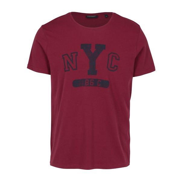 Tricou visiniu cu print pentru barbati – Broadway Bennie