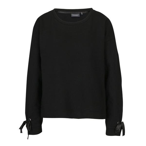 Bluza asimetrica neagra cu funda pe maneci Broadway Sui