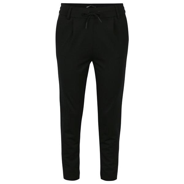 Pantaloni negri cu talie elastica si dungi laterale - ONLY Poptrash