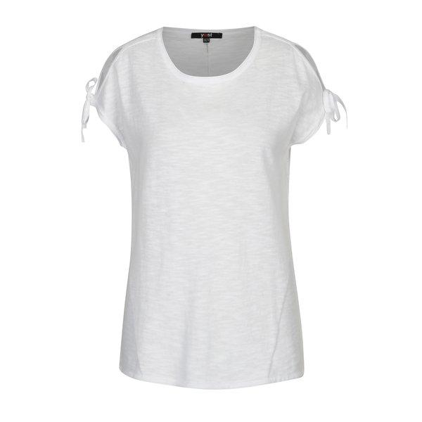 Tricou alb cu decupaje pe umeri si funde – Yest
