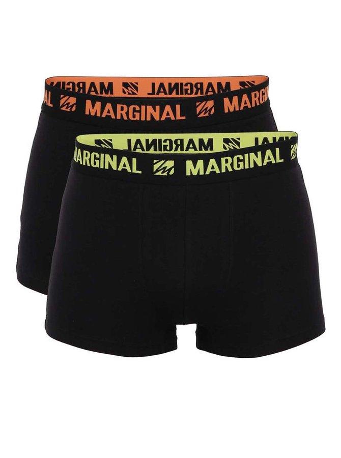Sada dvou černých boxerek se žlutým a oranžovým nápisem Marginal