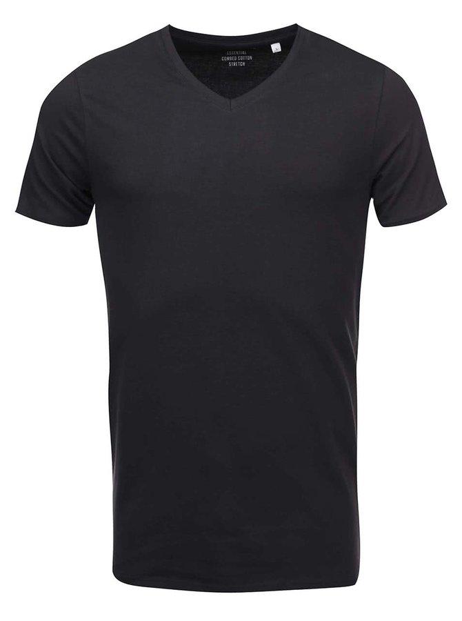 Čierne tričko s véčkovým výstrihom