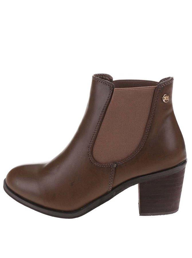 Hnědé chelsea boty na podpatku  Xti