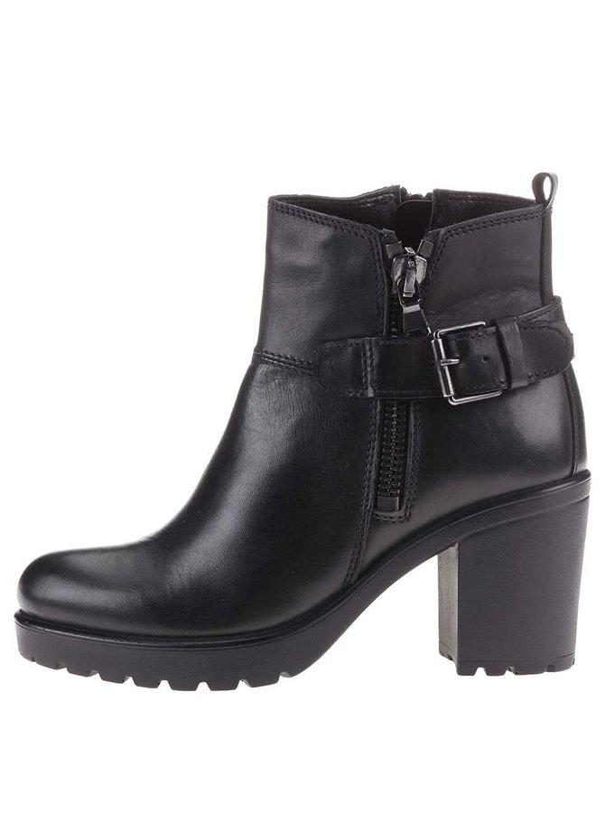 Čierne dámske kožené členkové topánky na širšom podpätku s.Oliver
