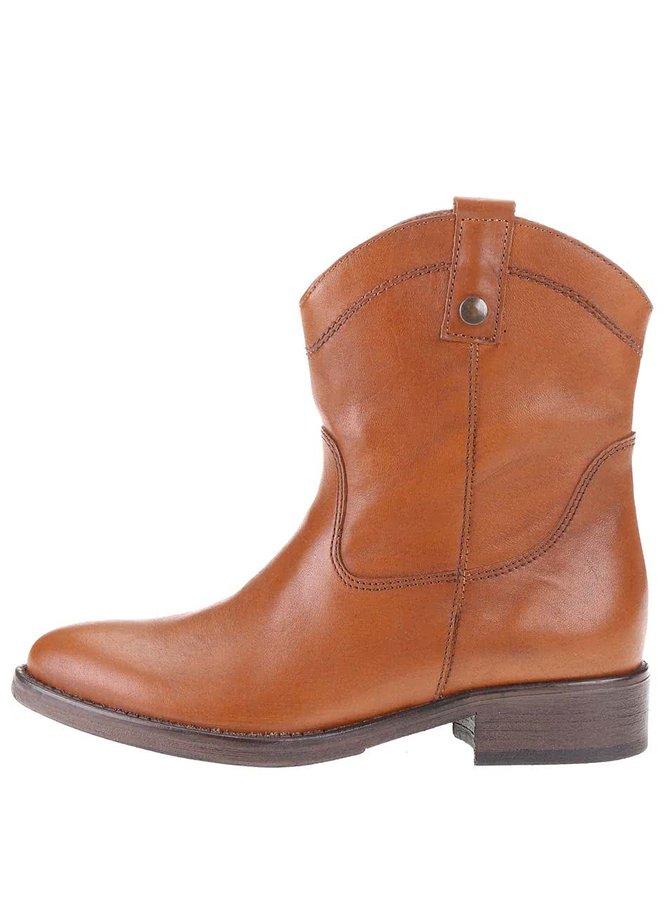 Hnedé kožené prešívané členkové topánky Tamaris