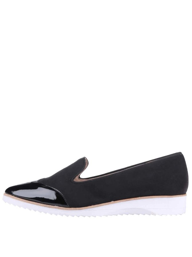 Čierne loafers s lakovanou špičkou OJJU