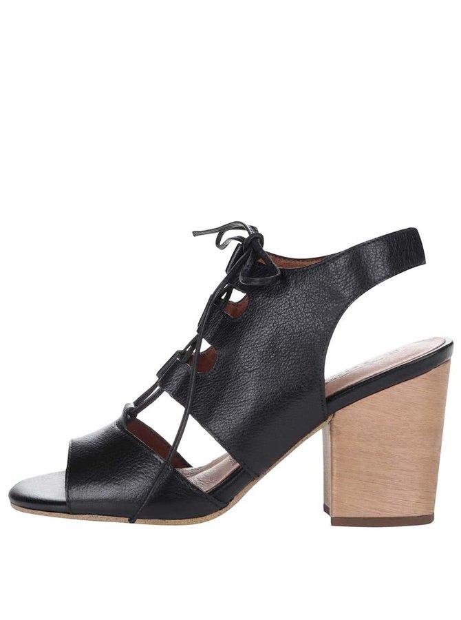 Černé kožené sandály na vyšším podpatku Tamaris