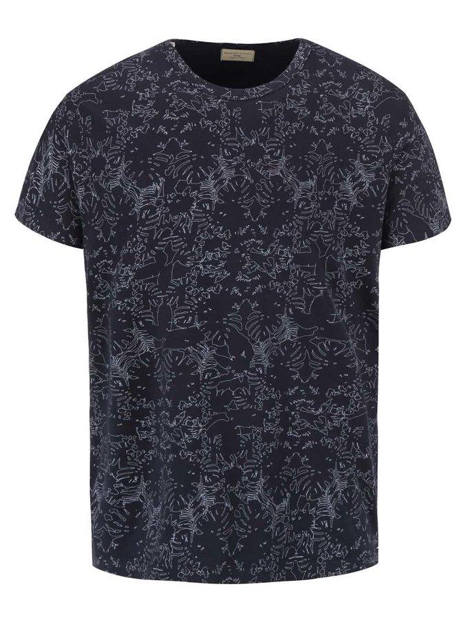Tmavomodré tričko so vzorom Selected Homme Sunset