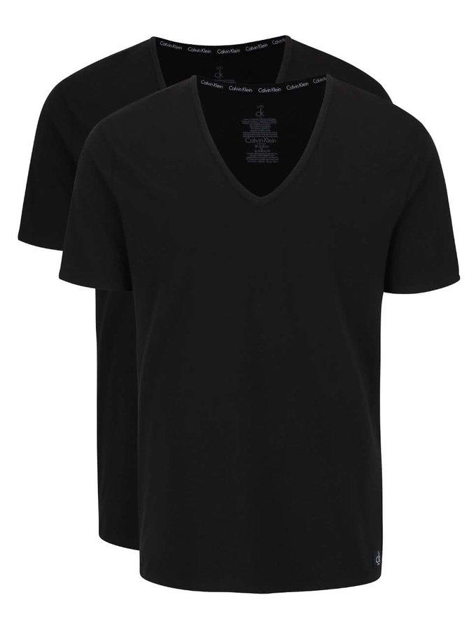 Sada dvou pánských černých trik s véčkovým výstřihem Calvin Klein