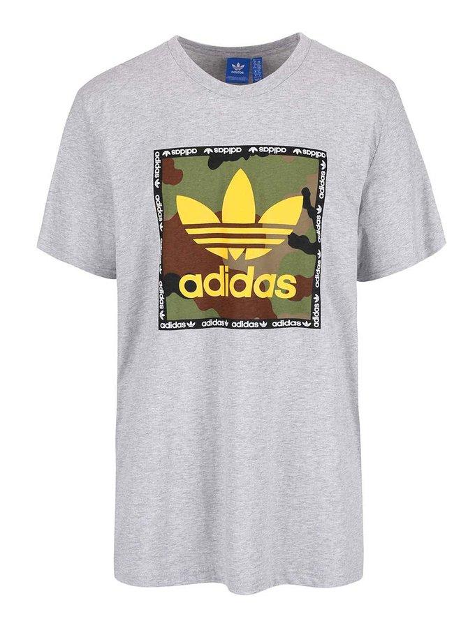 Sivé pánske tričko s potlačou adidas Originals Camo