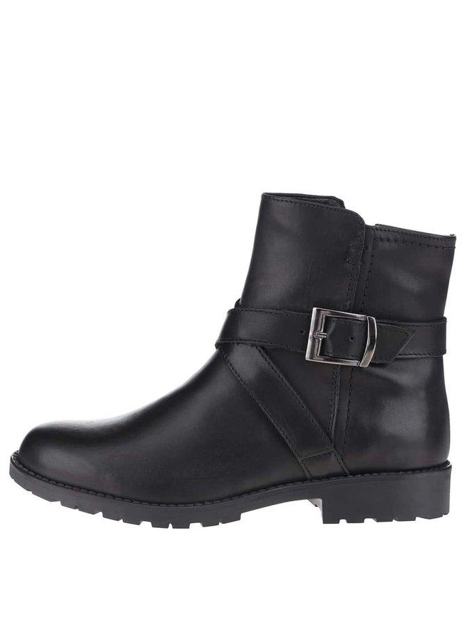 Čierne kožené členkové topánky s prackou Tamaris