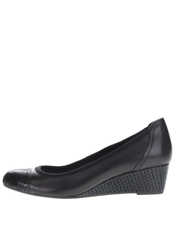 Černé kožené boty na klínku s lesklou špičkou Tamaris