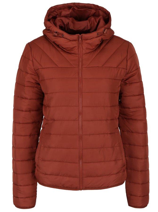 Cihlová prošívaná bunda s kapucí ONLY Marit