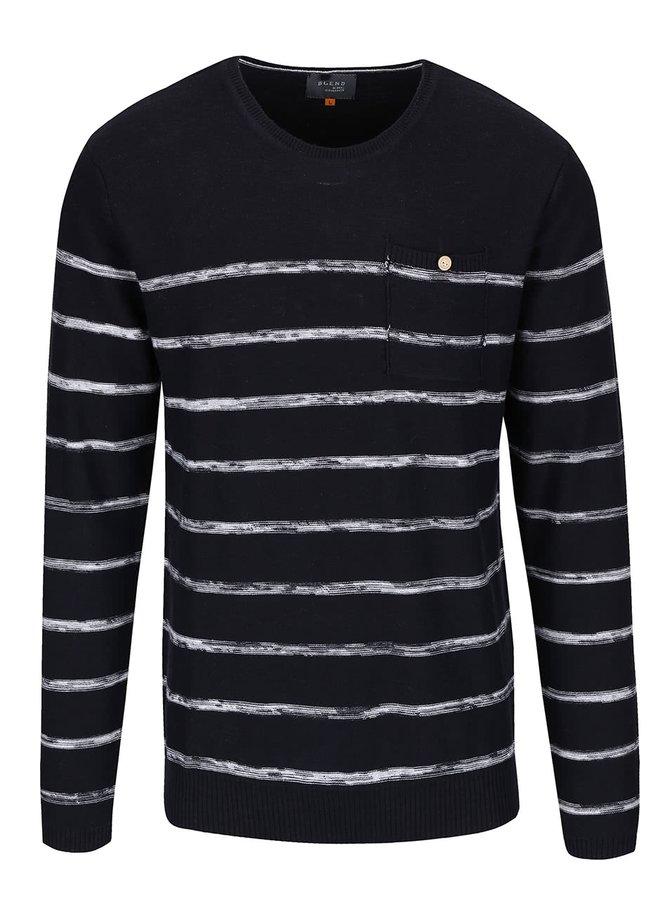 Tmavomodrý pruhovaný sveter s vreckom Blend