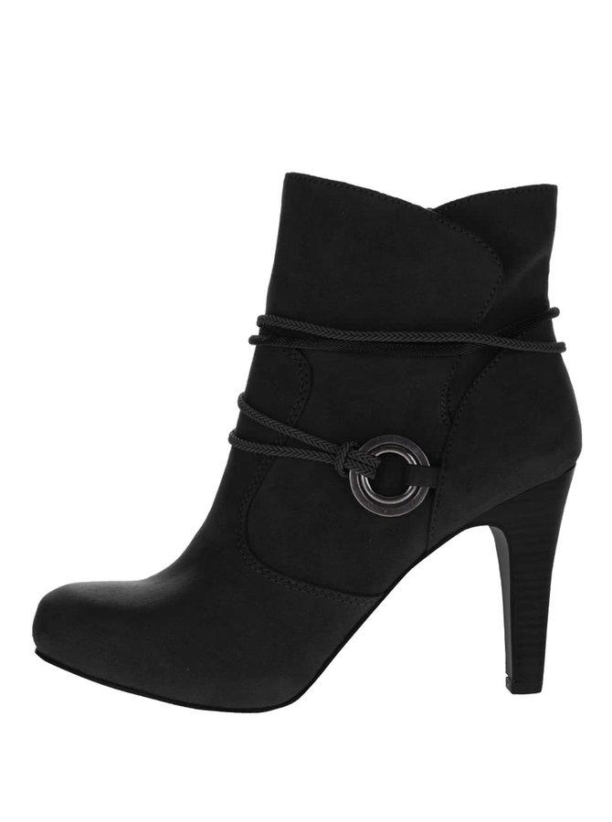 Čierne topánky na podpätku v semišovej úprave Tamaris