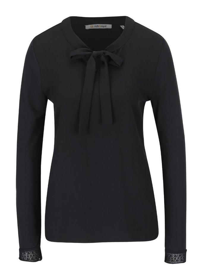 Bluză neagră Rich & Royal cu fundă