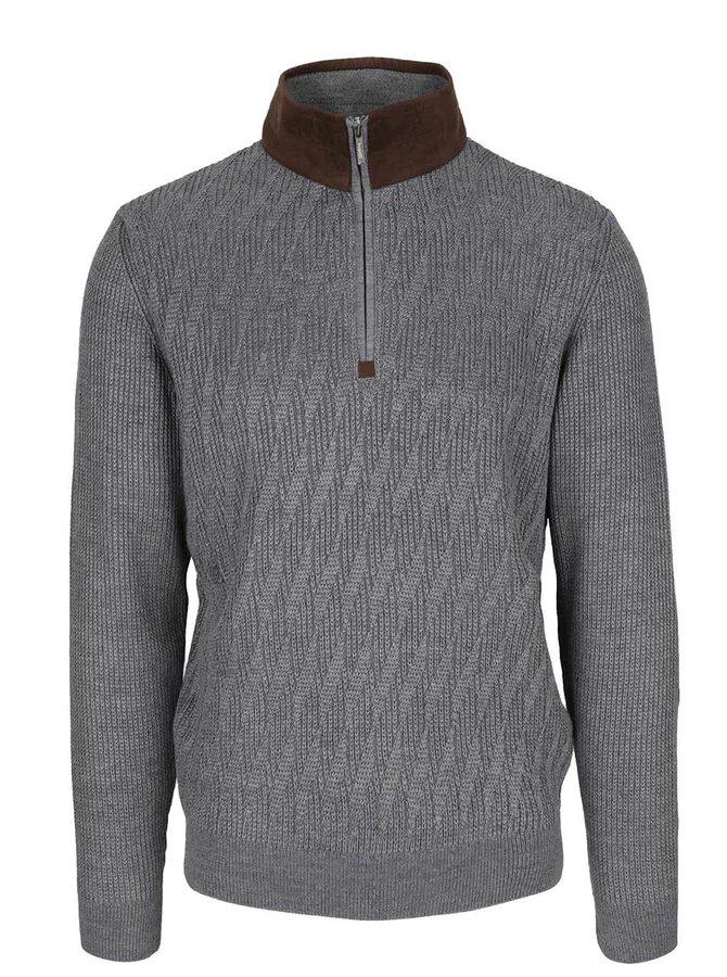 Sivý pánsky sveter s hnedými detailmi bugatti