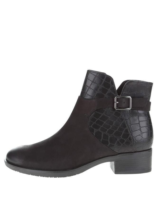 Černé kožené kotníkové boty se vzorem hadí kůže Tamaris
