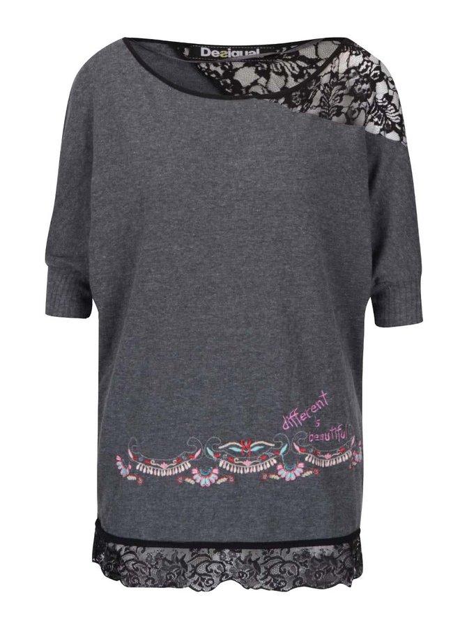 Šedé volnější tričko s krajkovým asymetrickým ramenem Desigual Mikonos