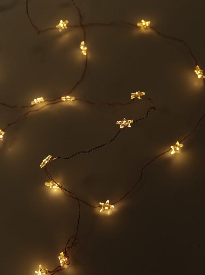 Instalație cu lumini decoLED în formă de stea