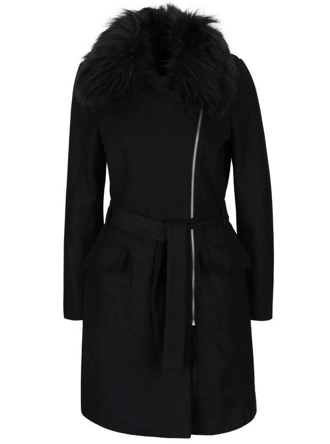 Čierny kabát s golierom z umelej kožušiny AX Paris