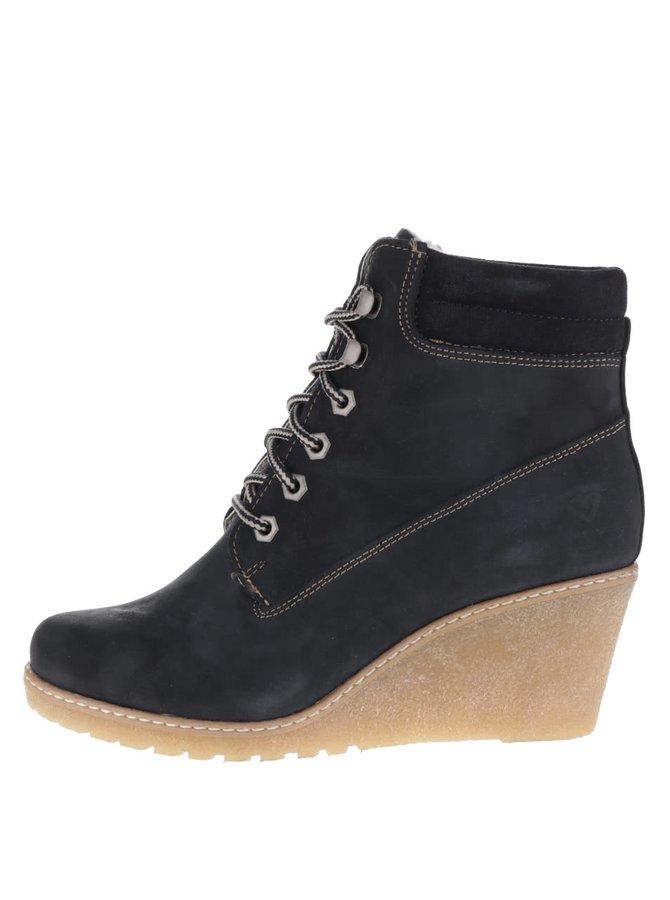 Tmavě modré kožené boty na klínku Tamaris