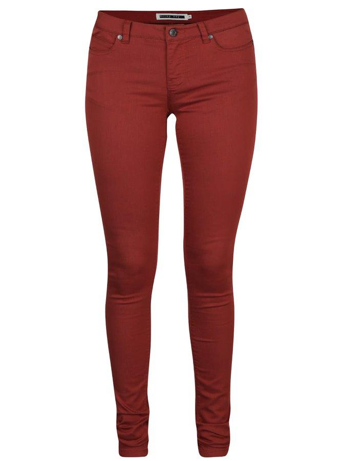 Pantaloni slim fit roșu cărămiziu Noisy May Eve