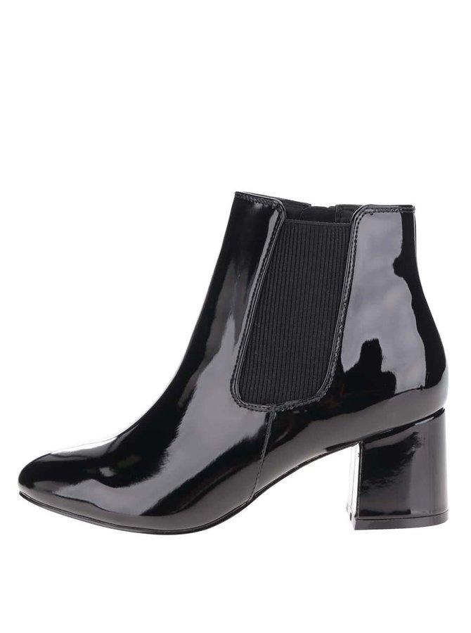 Černé kotníkové lesklé boty na podpatku Miss Selfridge