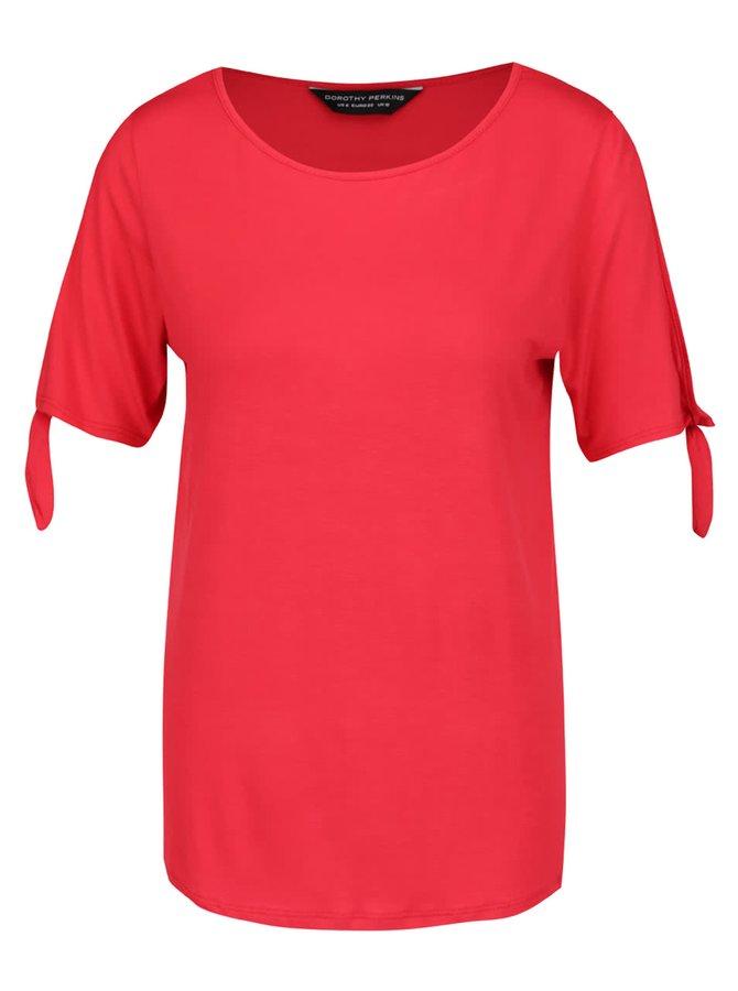 Červené tričko s uzlíky na rukávech Dorothy Perkins