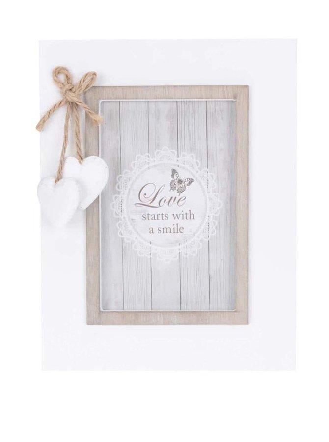 Hnědo-bílý dřevěný fotorámeček se srdíčky Dakls