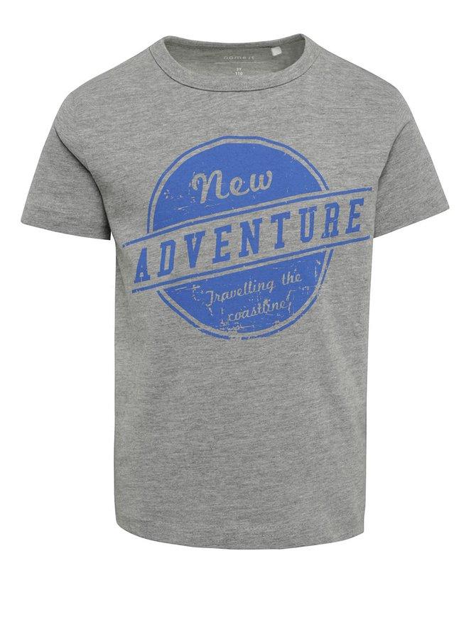 Tricou gri cu print Name It Victor pentru băieți