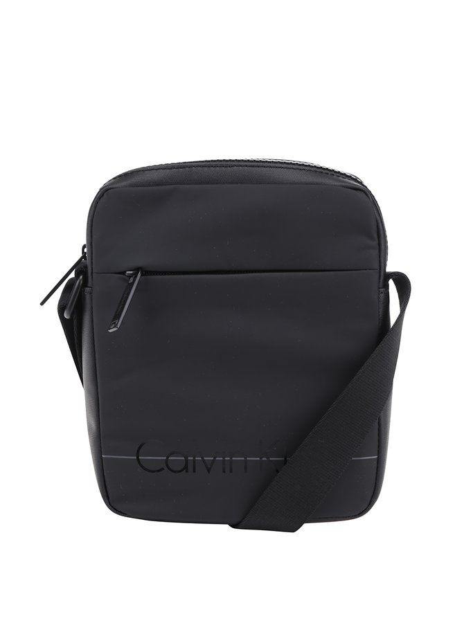 Černá malá crossbody taška s potiskem Calvin Klein Jeans Logan