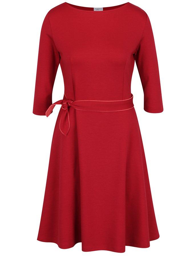 Červené šaty s mašlí Jana Minaříková